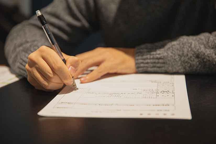 Cuando firmas un contrato, existen unas obligaciones que el empleador debe cumplir. Aquí te contamos cuáles son y por qué es importante que las conozcas.