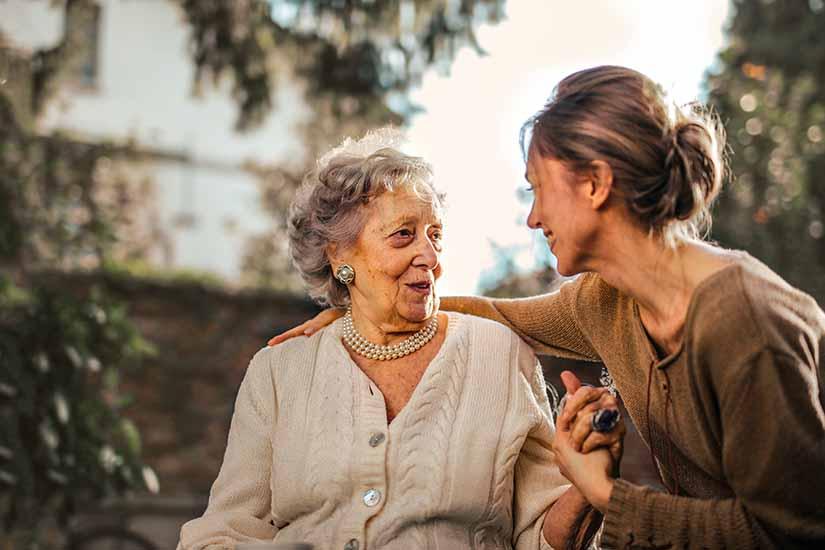 Si tienes un adulto mayor en casa y no puede acceder a la pensión en Colombia, es importante que conozcas el programa de BEPS